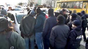 Blokowali Królewską, zamawiali Ubera. Szarpanina obok ministerstwa