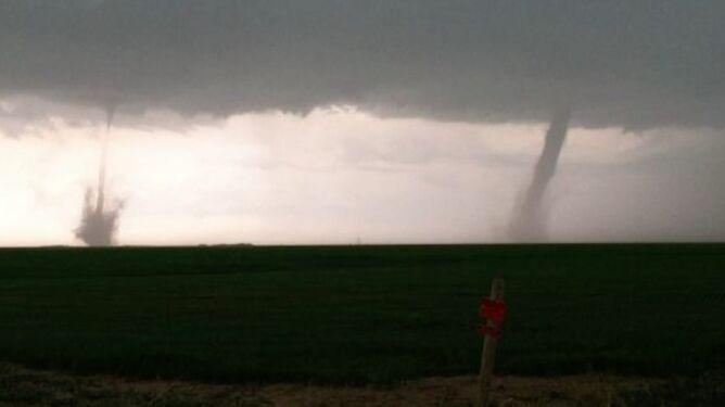 Amerykanie drżą przed tornadami. Dwa na raz uderzyły w stan Kansas